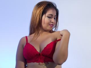Voir le liveshow de  CarlaLoise de Xlovecam - 22 ans - I'm a naughty and ardent latin girl... I love enjoy my time on the webcam with real horny guys!