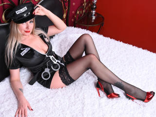 Voir le liveshow de  JuliannaSexx de Xlovecam - 35 ans - I'm a sexy and experienced lady ready to satisfy your desires! I have a lot of sexy skills I  ...