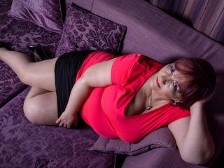 Voir le liveshow de  RosaRed de Xlovecam - 55 ans - Sexy and experienced :)