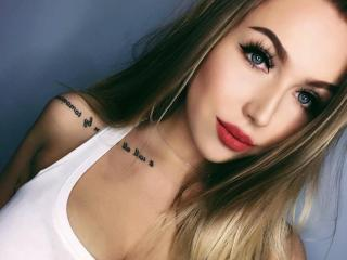 Voir le liveshow de  EmillySexy de Xlovecam - 20 ans - I'm sweet lady. I like men who know how to treat women like. I live alone, so often i feel lone ...
