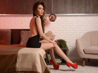 Voir le liveshow de  Selenia de Xlovecam - 27 ans - Dangerously erotic and in need of love, tenderness combines with kinky attributes in ME, your DREA ...