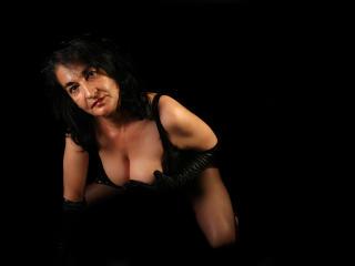 Voir le liveshow de  HotMadamForU de Xlovecam - 62 ans - I am hot  brunette mature woman, always in the mood for fun and horny. I will blow your mind  ...