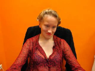 Voir le liveshow de  OlivChat de Xlovecam - 29 ans - I like a guy who can wrestle with me and let me win, who I can talk about anything, who puts my c ...