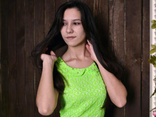 Voir le liveshow de  KristyCheerful de Xlovecam - 19 ans - Naughty little girl, loves to have fun. I like the crazy men who are ready to try something ...