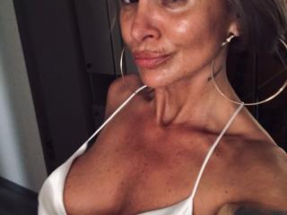 SexyCynthyaX sexy cam girl