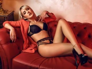 Voir le liveshow de  Allexine de Xlovecam - 22 ans - Hot, sexy and funny