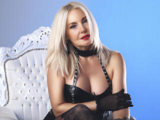 Voir le liveshow de  StunningLadyx de Xlovecam - 40 ans - What makes me special? Well, first of all, I am an intelligent lady who can entertain her pa ...