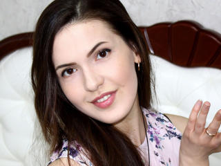Voir le liveshow de  ChicaTerna de Xlovecam - 19 ans - My imagination is a twisted place! Come closer to me!
