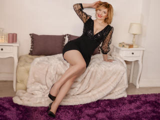 Voir le liveshow de  LiannePonti de Xlovecam - 21 ans - Anyone can be passionate, but it takes real lovers to be silly..