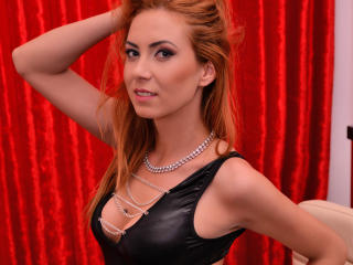 Voir le liveshow de  RubyDiamond de Xlovecam - 22 ans - I'm the goddess of lust with a tanned body who loves to have in her room some nice and mannere ...