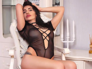 Voir le liveshow de  SassyX de Xlovecam - 20 ans - I'm natural, smart and very sexy. always in the mood to play