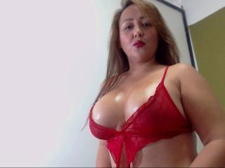 CatalinaMature nude on cam